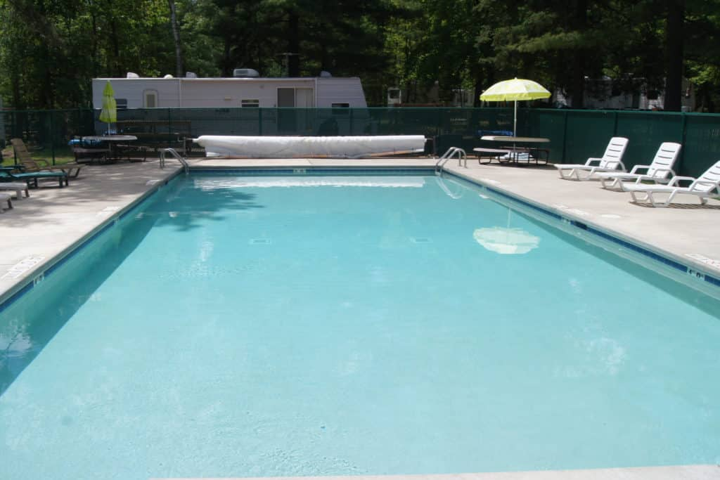 Chain O' Lakes Campground -- photo of the swimming pool
